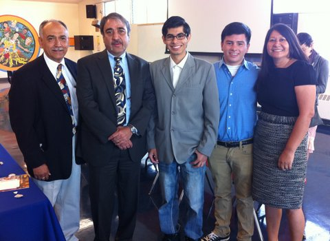 Chancellor Khosla meets with students and staff at Clairemont High School.  From left, Rafael Hernandez, EAOP, Chancellor Khosla, Cristobal Parada,  Cesar Salceda and Martha Corrales, Clairemont High School.
